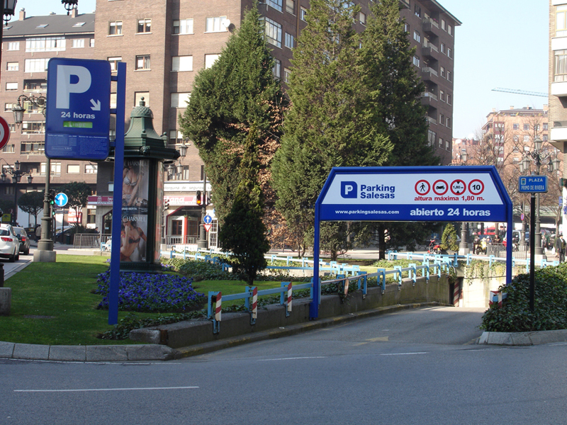 Acceso parking